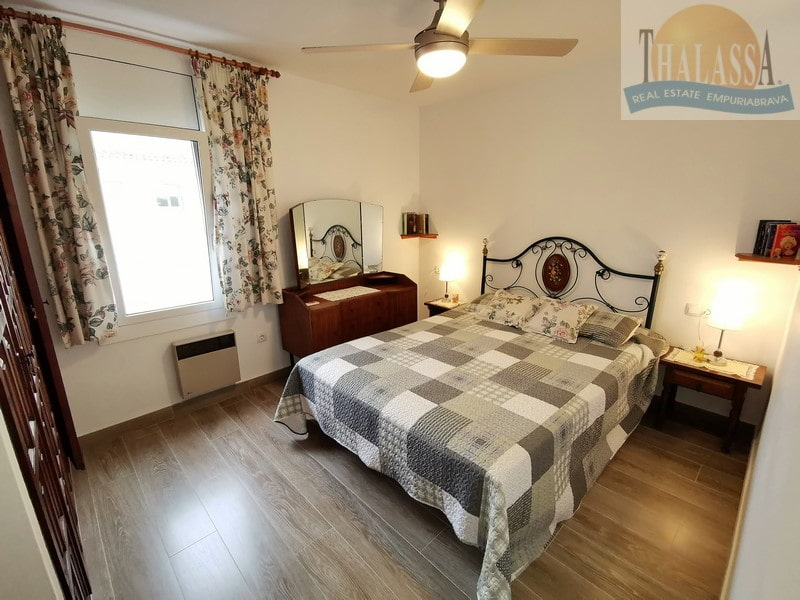 Apartment with canal view - Port Empuries area - Bedroom
