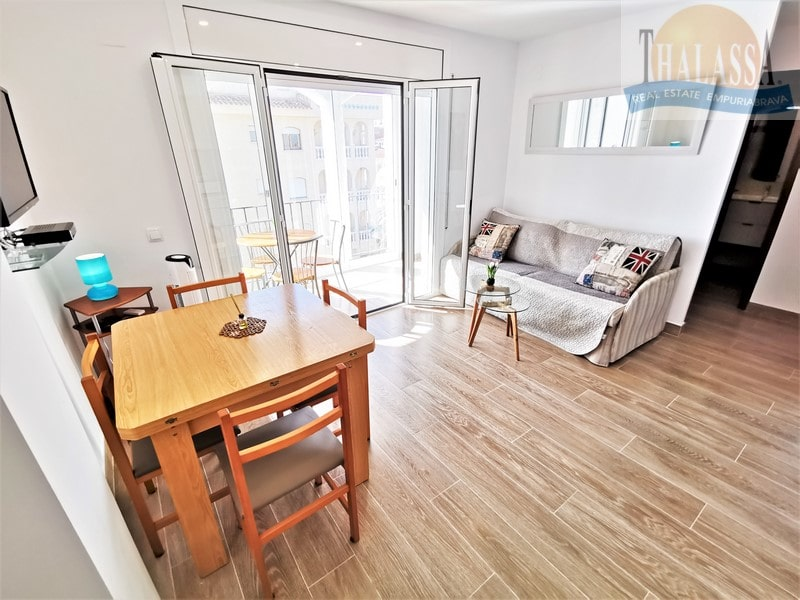 Apartment with canal view - Port Empuries area - Living Room