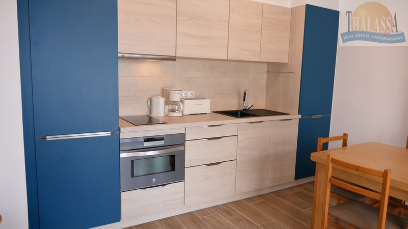 Apartment with canal view - Port Empuries area - Kitchen