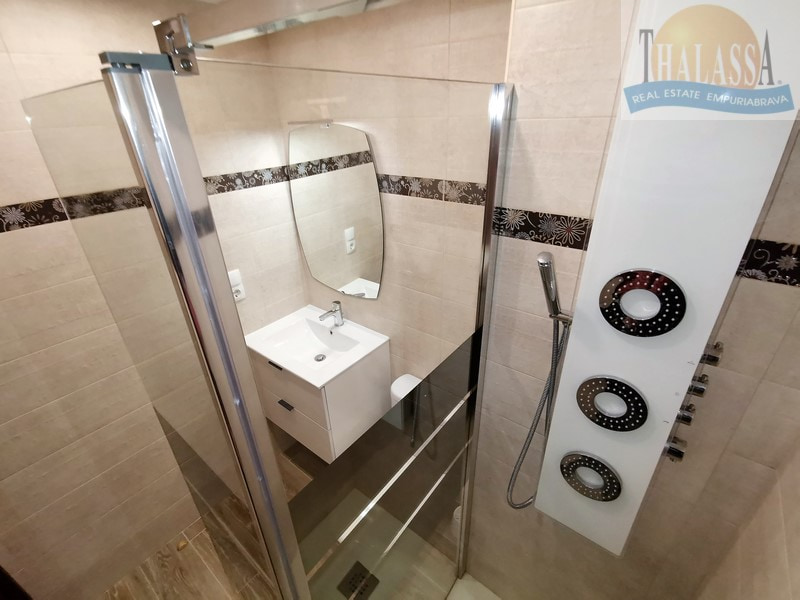 Apartment with canal view - Port Empuries area - Bathroom