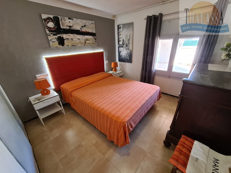 House in Sant Pere Pescador - Bedroom