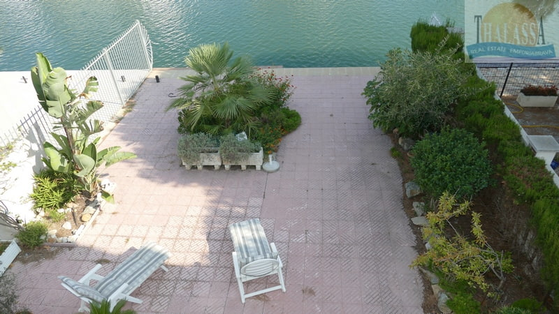 House with mooring- Salins area - View of the apartment