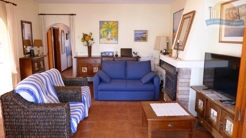 House with mooring- Salins area - Living room