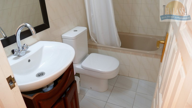 Apartment with big terrace - Club Nautic area - Bathroom
