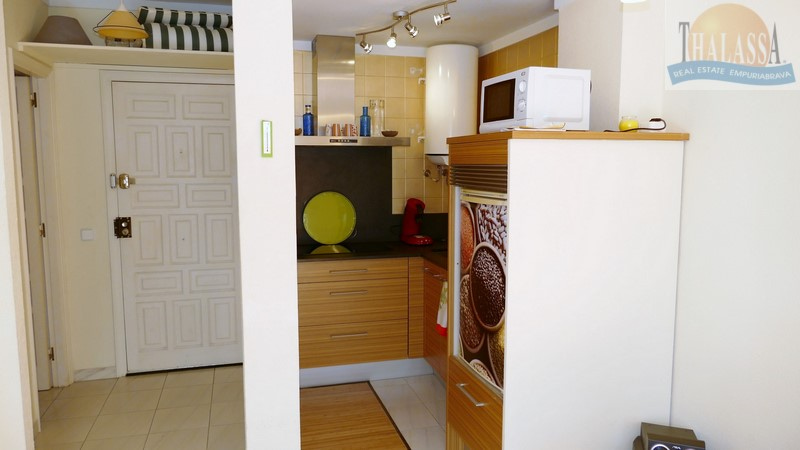 Apartment with big terrace - Club Nautic area - Kitchen