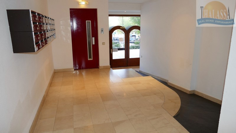 Apartment with big terrace - Club Nautic area - Entrance hall