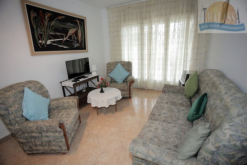 House with 6 apartments - Badia area - Living room