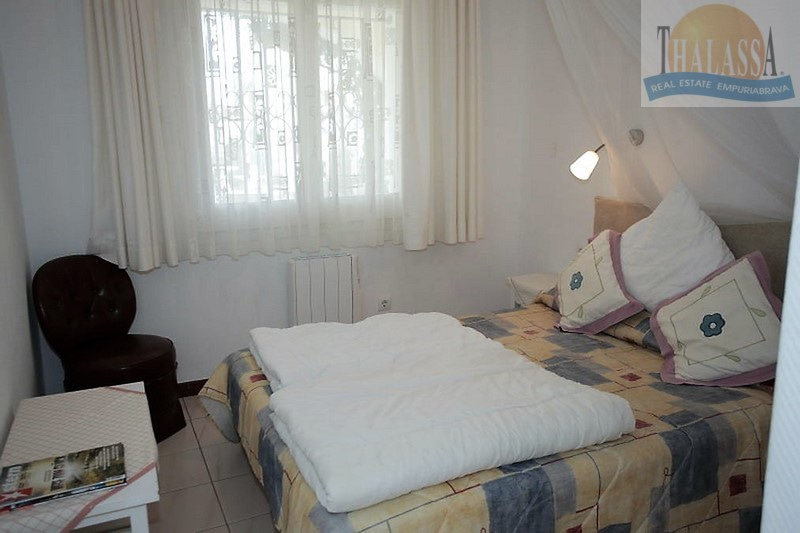 House with 6 apartments - Badia area - Bedroom
