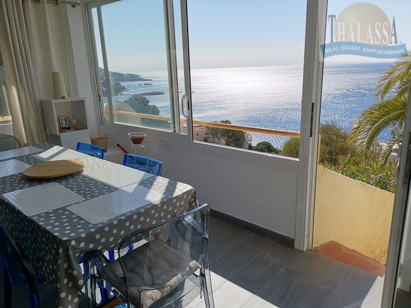 Apartment with sea view in Roses-Canyelles - Living room