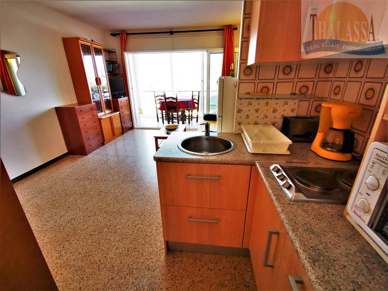 Flat with canal view - Salins area - Kitchen