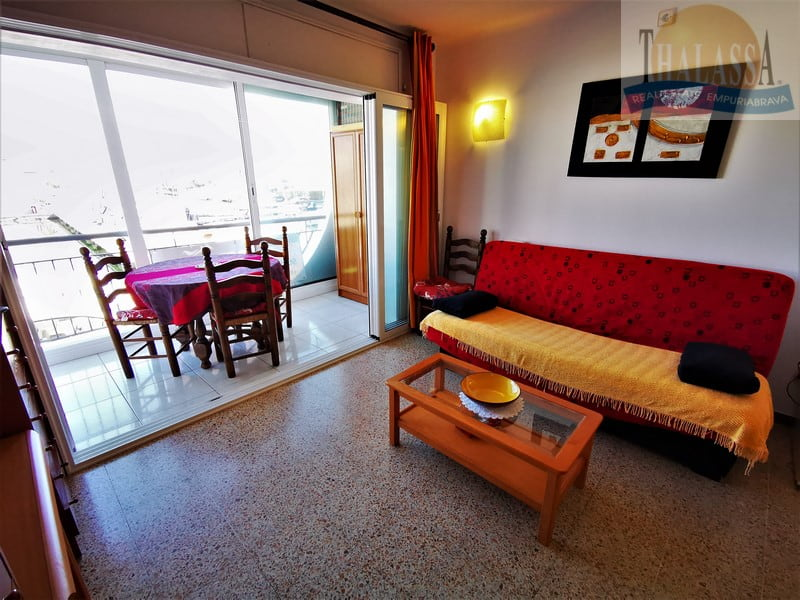 Flat with canal view - Salins area - Living room