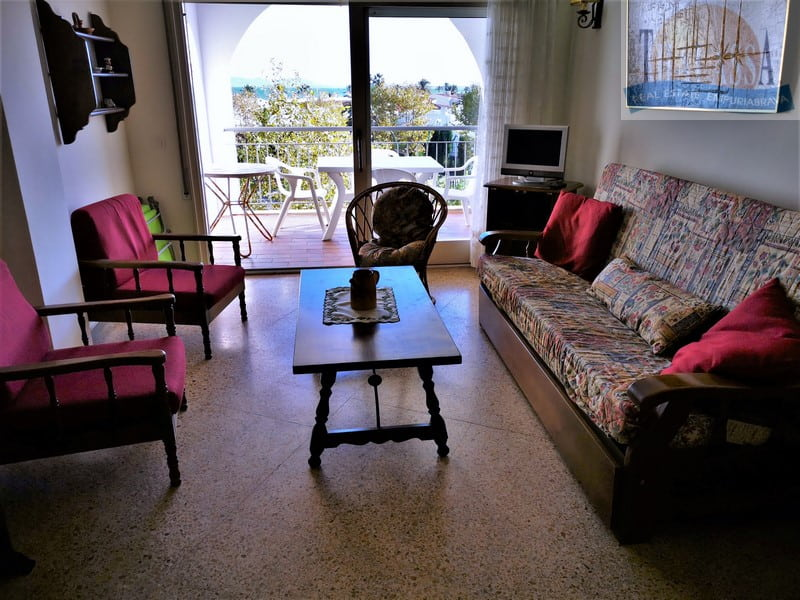 Flat with sea view - Salins area - Living room