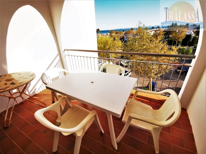 Flat with sea view - Salins area - Terrace
