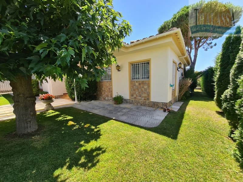 House with mooring of 25m - Noguera area - Garden