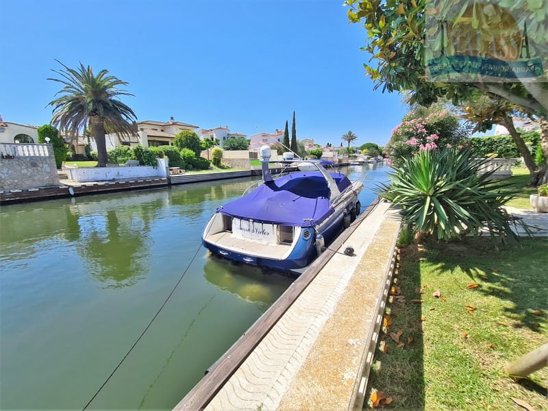 House with mooring of 25m - Noguera area - Mooring