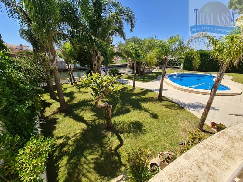 House with mooring of 25m - Noguera area - Pool