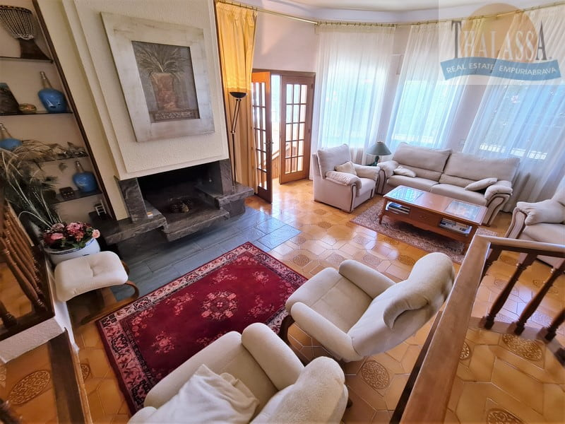 House with mooring of 25m - Noguera area - Living room
