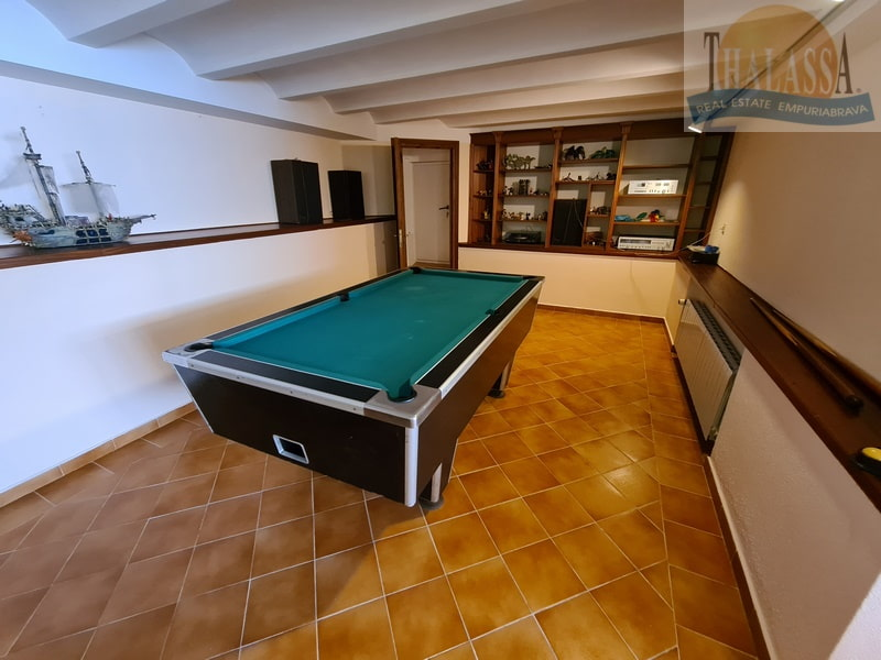House with mooring of 25m - Noguera area - Room in basement