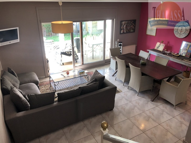 2 houses - Carmenco area - Living room